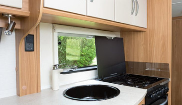 Kitchen in the Lunar Quasar 564 reviewed by Practical Caravan's experts