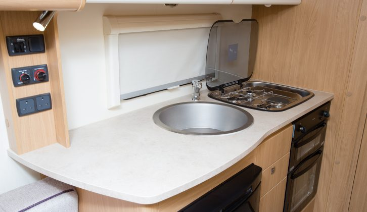 The kitchen in the Avanté 462 has ample worktop and kit, including two sockets and a large sink