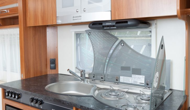 The inventive split hob and sink covers provide plenty of flexibility to get the most workspace, while allowing access to the gas burners