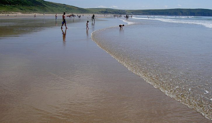 With lots of campsites in Devon to choose from, everyone can enjoy a caravan holiday beside the seaside in and around pretty Woolacombe