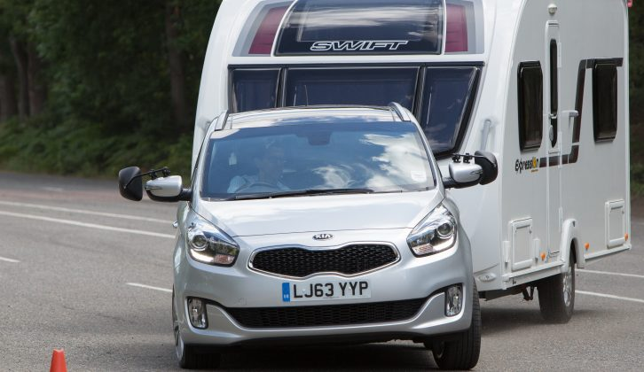 Its healthy kerbweight is good, but the Kia Carens wasn't too secure when towing our Swift Expression 514