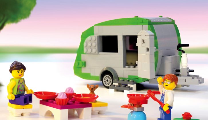 Will the team manage to build the world's largest LEGO caravan at the NEC show?