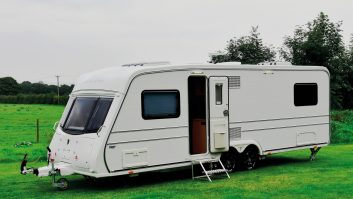 The profile of the twin-axle V640s is a classic and remains distinctively Vanmaster