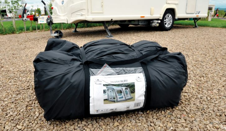 The 79cm x 42cm pack size and 21kg weight of this caravan awning make it easy to handle and set up